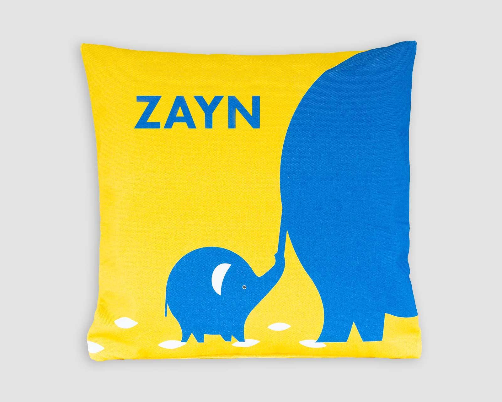 Kussenhoes Never let go gepersonaliseerd kraamcadeau met naam olifant blauw geel